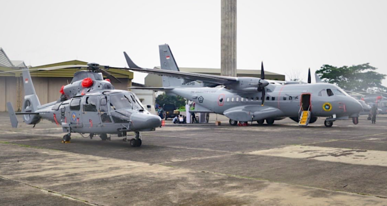 The Aerospace company PT Dirgantara Indonesia (PT DI) on January 24 handed over five AS565Mbe Panther ASW helicopters and one CN235-220 Maritime Patrol Aircraft (MPA) to the Indonesian Navy.