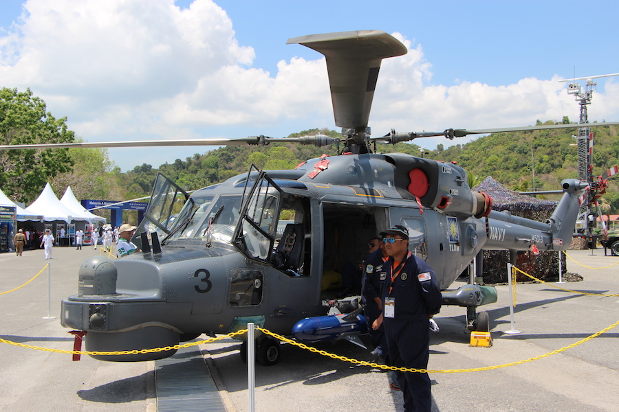The Royal Malaysian Navy's fleets of Super Lynx Mk 100 and AS 555 SN Fennec (renamed H125M) helicopters are celebrating 15 of operational service, the service praised today at LIMA Aerospace and Maritime exhibition in Langkawi, Malaysia.