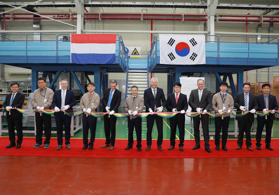 LIG Nex1 officially opened a new Goalkeeper CIWS maintenance facility at the company's Gumi plant on Tuesday, April 16. The ceremony was attended by Kwon Byung-Hyun, LIG Next 1 Production Division General Manager and Geert van der Molen, Vice-President of Thales Netherland.