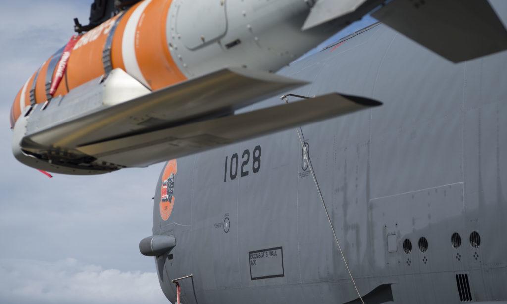 https://www.navalnews.com/wp-content/uploads/2019/06/U.S.-Indo-Pacific-Command-Tests-Quickstrike-ER-Naval-Mine-from-B-52-Bomber-4-1024x613.jpg
