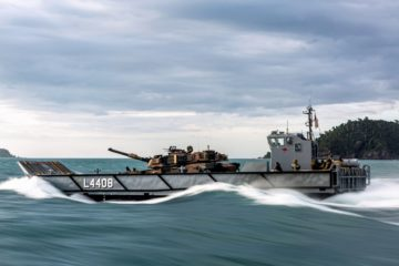 Australian LHD HMAS Canberra in First Amphibious Exercise with M1A1 MBT