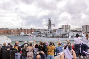 HMS Kent left Portsmouth for the Strait of Hormuz