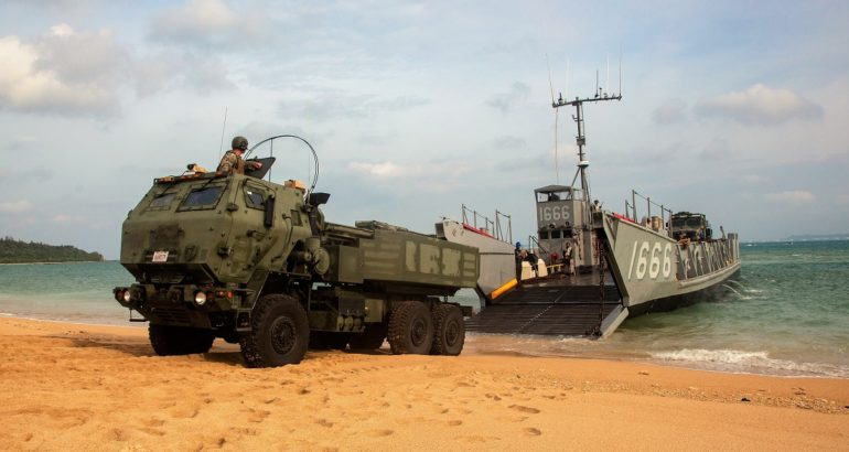 U.S.-Marines-Demonstrate-M142-HIMARS-MLR