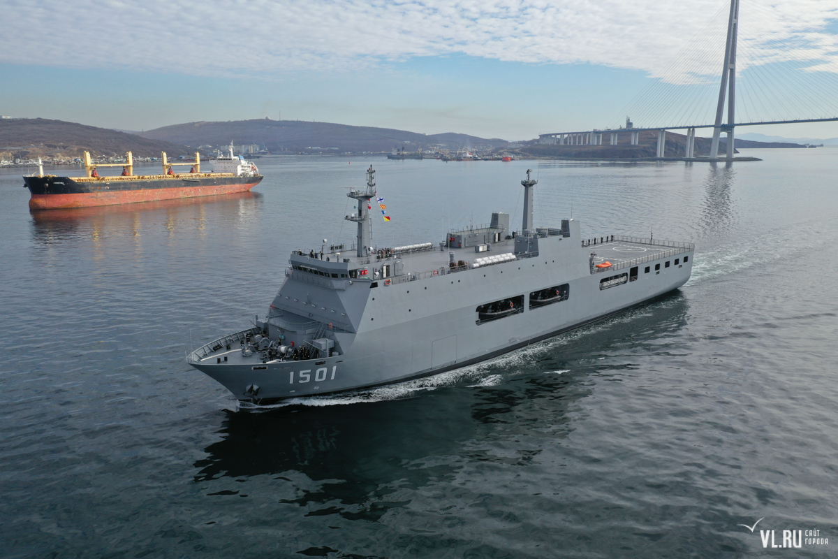 Myanmar Navy's new LPD 'Moattama' in Vladivostok - Naval News - Naval News