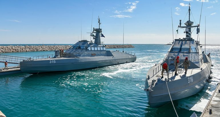 Armée Saoudienne / Armed Forces of Saudi Arabia - Page 30 Royal-Saudi-Navy-inducts-first-batch-of-HSI-Interceptors-770x410