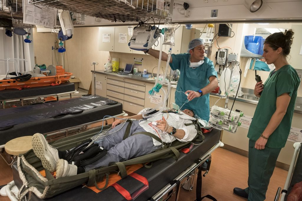 Hospital facilities aboard Mistral-class LHD Tonnerre.