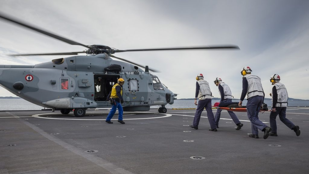 NH90 NFH in MEDEVAC training aboard a Mistral-class LHD.