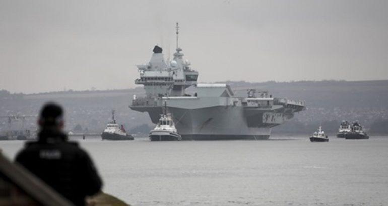 HMS Queen Elizabeth leaves Portsmouth
