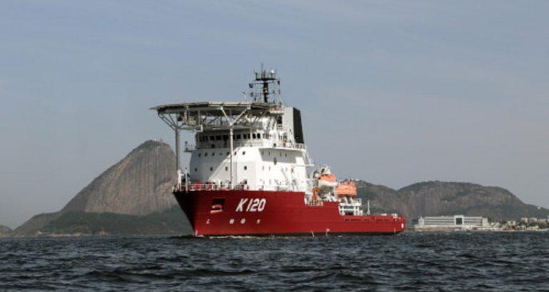 """Brazilian submarine rescue vessel (SRV) """"Guillobel"""". Brazilian Navy picture."""