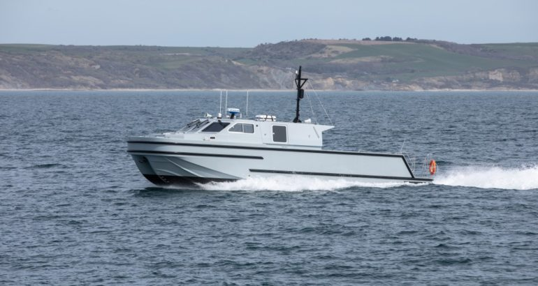 AEUK Delivers First 15M Worboat RNMB Hebe to Royal Navy