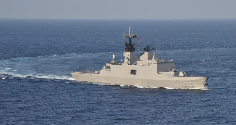 Kang Ding-class frigate Di Hua (迪化, PFG-1206) underway.