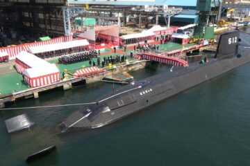 Japan commissions its 2nd Li-Ion Battery Submarine JS Tōryū「とうりゅう」