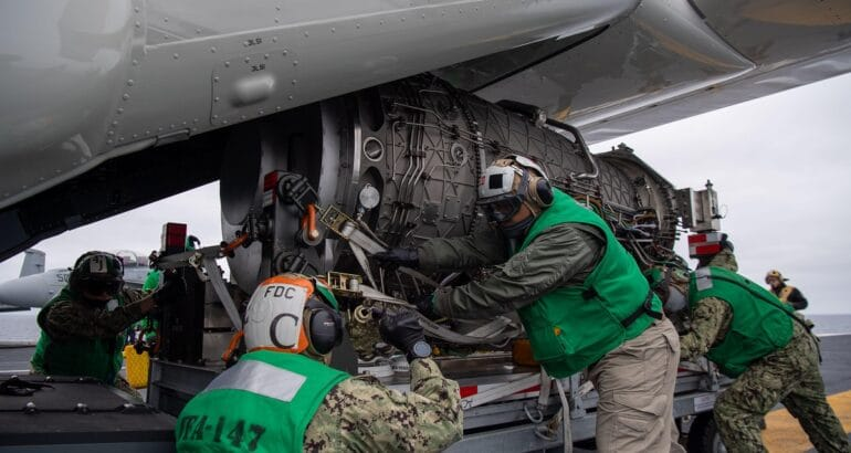 US Navy CMV-22B Delivers F135 Engine to a CVN for the First Time