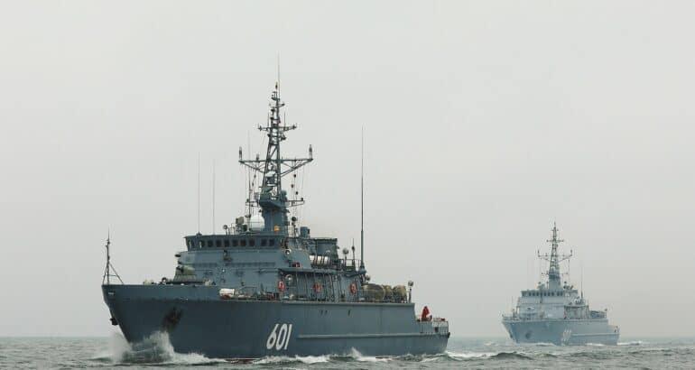Project 12700 minesweepers Aleksandr Obukhov and Ivan Antonov