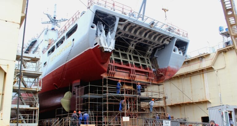 New progress on the two improved Ivan Gren project 11711 at Yantar shipyard