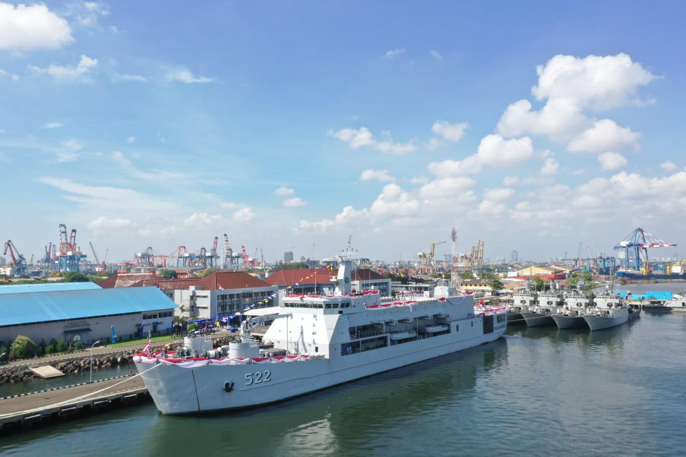 https://www.navalnews.com/wp-content/uploads/2021/07/Indonesian-Navys-Teluk-Bintuni-class-LST.jpg
