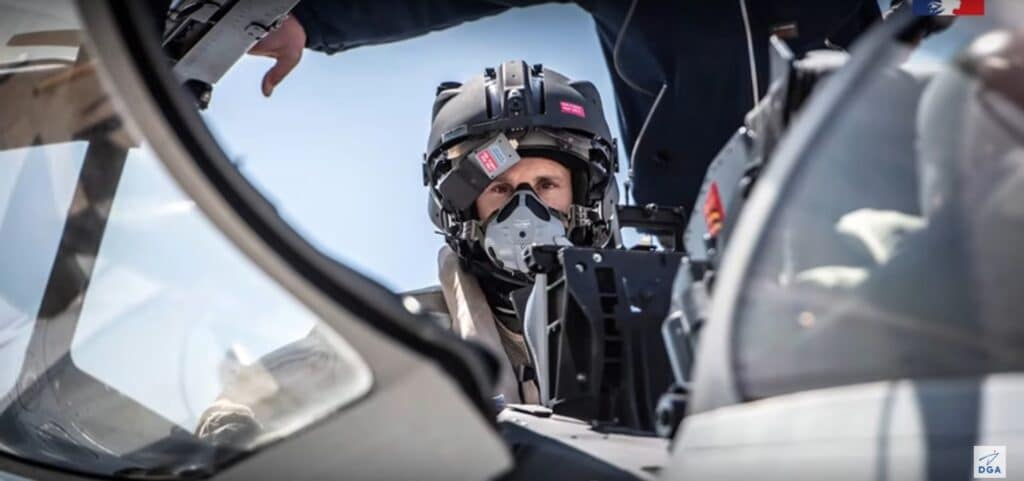 Rafale-helmet-mounted-sight-1024x481.jpg