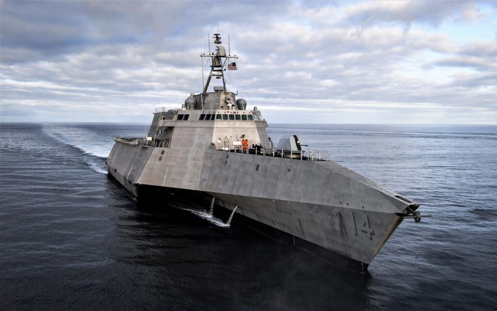 USS Manchester (LCS 14) Sails in the Eastern Pacific