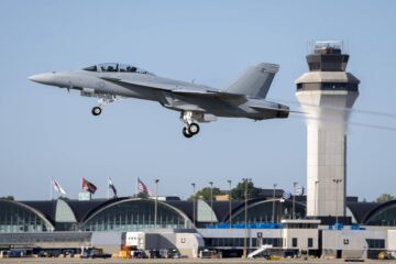 Boeing Delivers First Operational Block III F/A-18 Super Hornet to the U.S. Navy