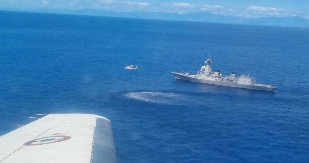 JMSDF Asahi-class Destroyer in Air Defense Drill with French Navy 2