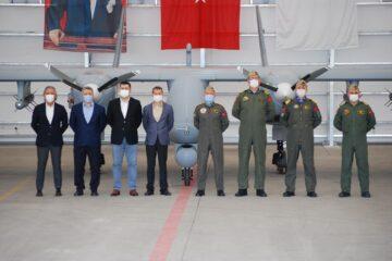 Turkish Navy Gets 1st Aksungur MALE UAV from TAI
