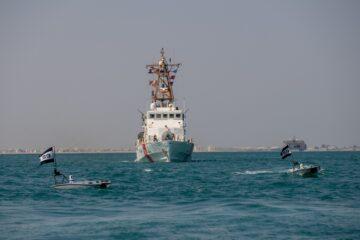 US Navy TF59 Integrates MANTAS USV with Patrol Vessels